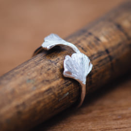 gingko_platinum_ring